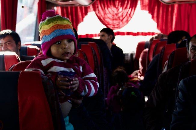 Un autobús con sirios que regresan a su país de origen.