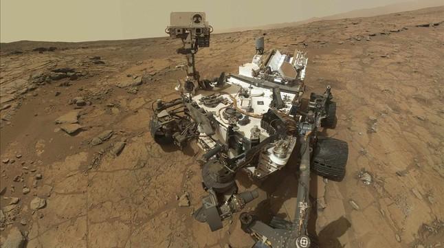 Selfi del robot Curiosity en la superficie de Marte.