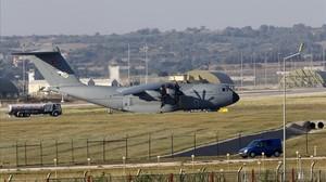Un avión militar de transporte turco, aparcado en la base aérea de Incirlik, en la ciudad sureña de Adana, en julio del 2015.