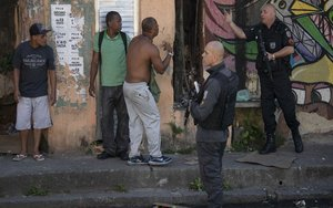 Operativo policiaco en una de las favelas de Río de Janeiro.