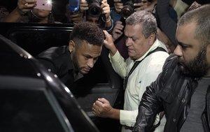 Neymar, en junio del 2019, yendo a declararante la justicia en Río de Janeiro.