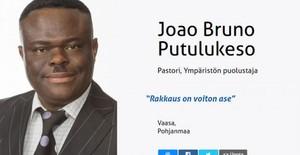 Joao Bruno Putulukeso, candidato del partido ultranacionalista Verdaderos Finlandeses.