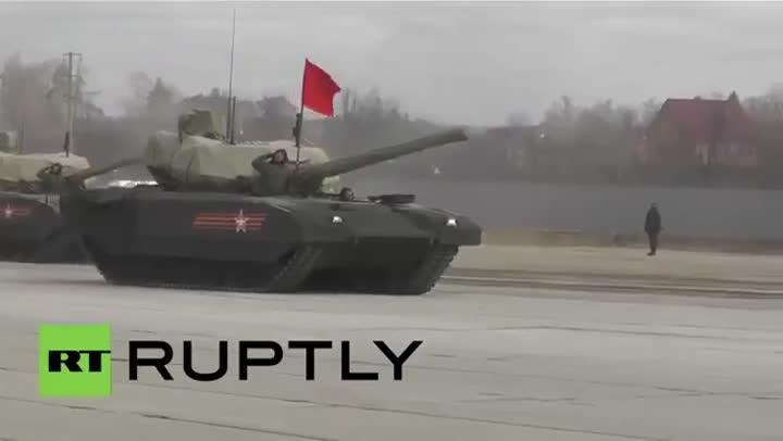 Vídeo en que se ve el nuevo tanque ruso: el Armata T-14.