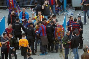 Control de seguridad en los accesos al Wanda Metropolitano, el pasado sábado, antes del partido de final de Copa.