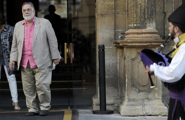 Oviedo recibe con gaitas a Francis Ford Coppola