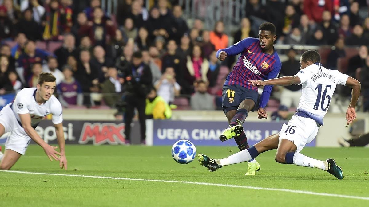 Dembélé anota el primer gol con este chut durante el partido de liga de campeones entre el FC Barcelona y el Tottenham Hotspur