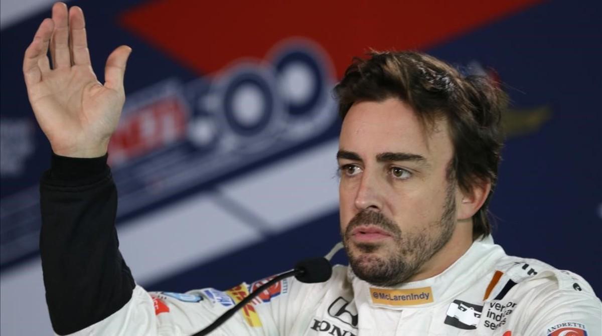 Después de deslumbrar en las 500 Millas de Indianápolis (en la foto), Ferando Alonso quiere triunfar en las 24 Horas de Le Mans.