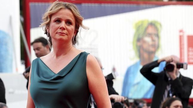Emily Watson, exitosa actriz, nominada en varias ocasiones a los Oscar, Globo de Oro y BAFTA.