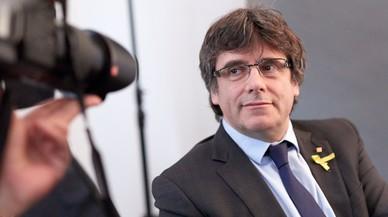 """Puigdemont cree que su futuro pasa por """"décadas en la cárcel"""" o """"años de exilio"""""""