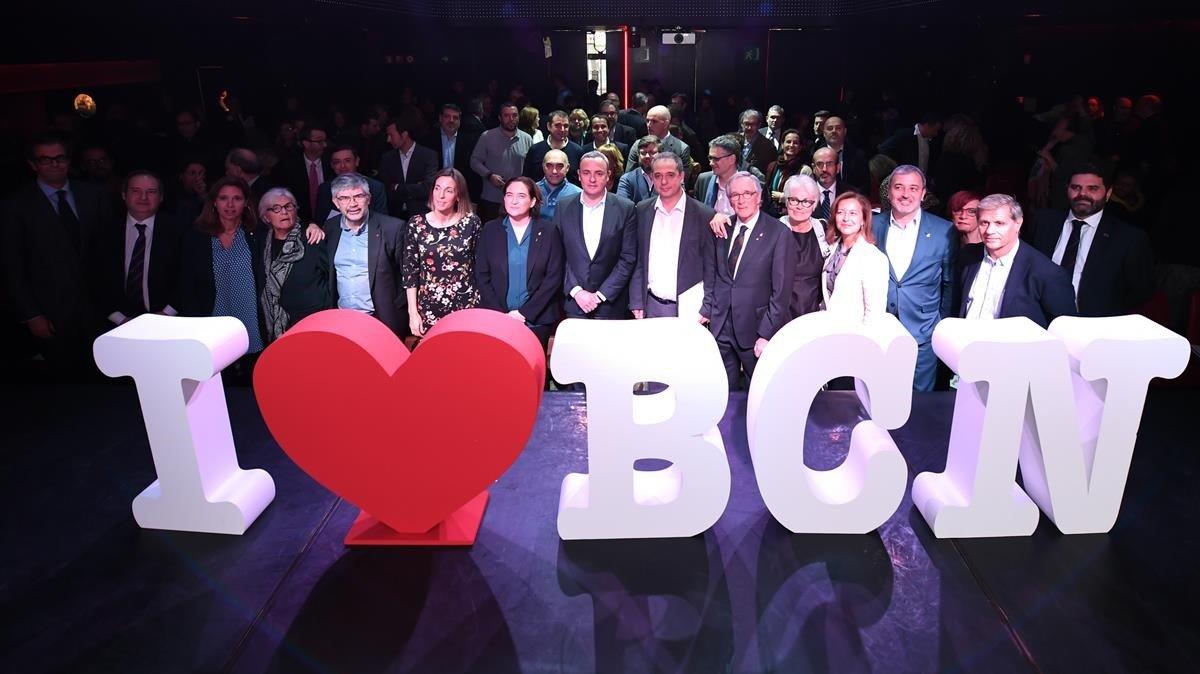 Participantes en el Summit de Barcelona Oberta, en El Molino.