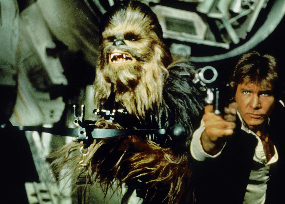 Harrison Ford junto a Chewbacca.
