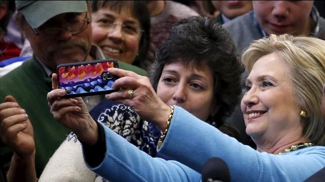 Clinton enseña su flanco más débil