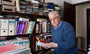 El historiador Josep Fontana en su casa.