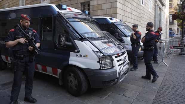 La intención del ejecutivo es que haya un coche patrulla por cada uno de los 1700 colegios electorales.