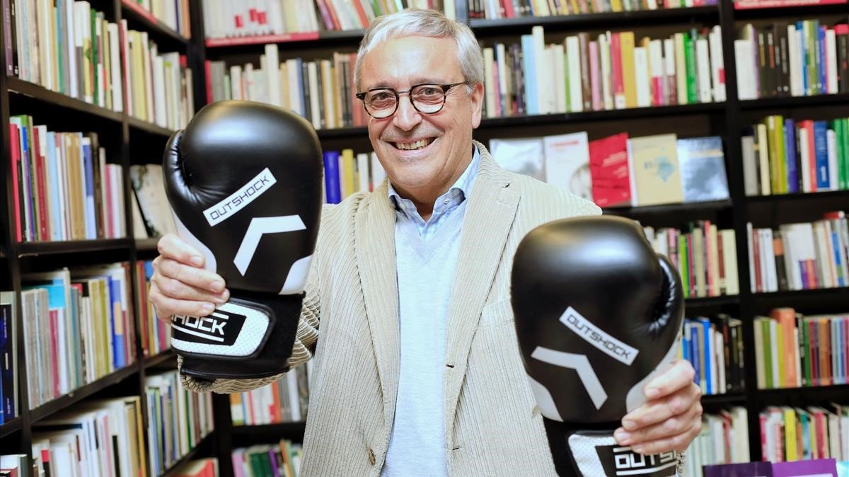Javier Melero, abogado de profesión, púgil de afición y bien hallado escritor, en la librería La Central, a punto de presentar 'El encargo'.