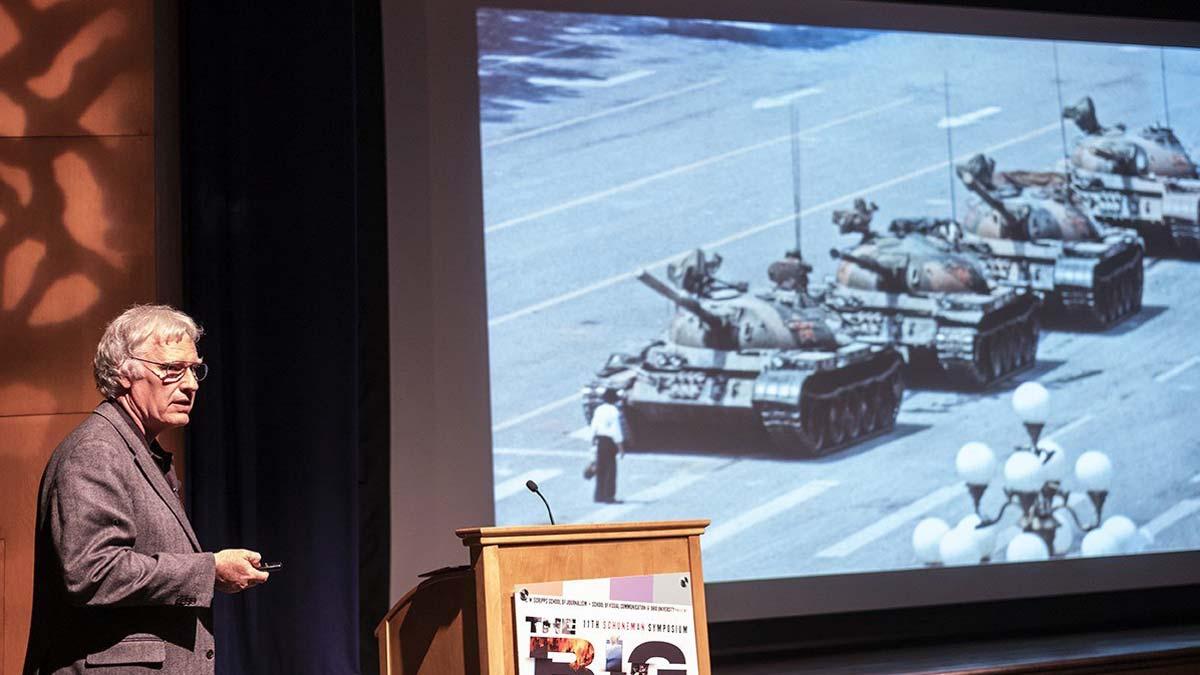 Jeff Widener, autor de la famosa foto del 'Hombre del tanque' tras la masacre de Tiananmen, explica la historia de la icónica imagen.