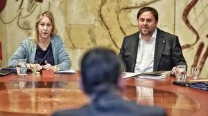 Neus Munté y Oriol Junqueras, este martes, en la reunión del Consell Executiu.