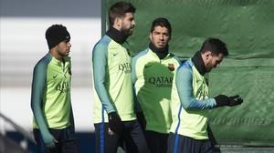 Neymar, Piqué, Suárez y Messi, en la ciudad deportiva antes de recibir al Atlético en la Copa.