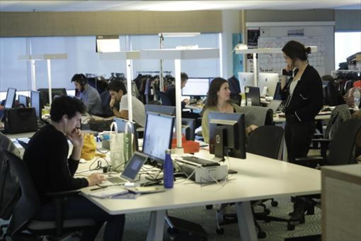 Trabajadores de Desigual en su sede de Barcelona.
