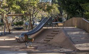 Barcelona suspèn en parcs per a nens amb discapacitat