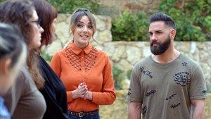 Anna Simon, presentadora de 'Persona infiltrada' (TV-3), con Marc Ribas.
