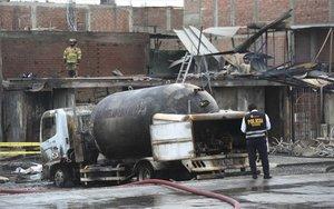 Explosión de una pipa con gas en Lima, Perú.