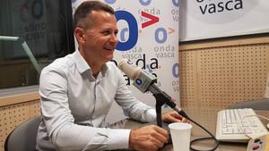 El senador Jokin Bildarratz afirma que no es suficiente con dejar de aplicar el 155 y emplaza a buscar una manera de que los catalanes se expresen.