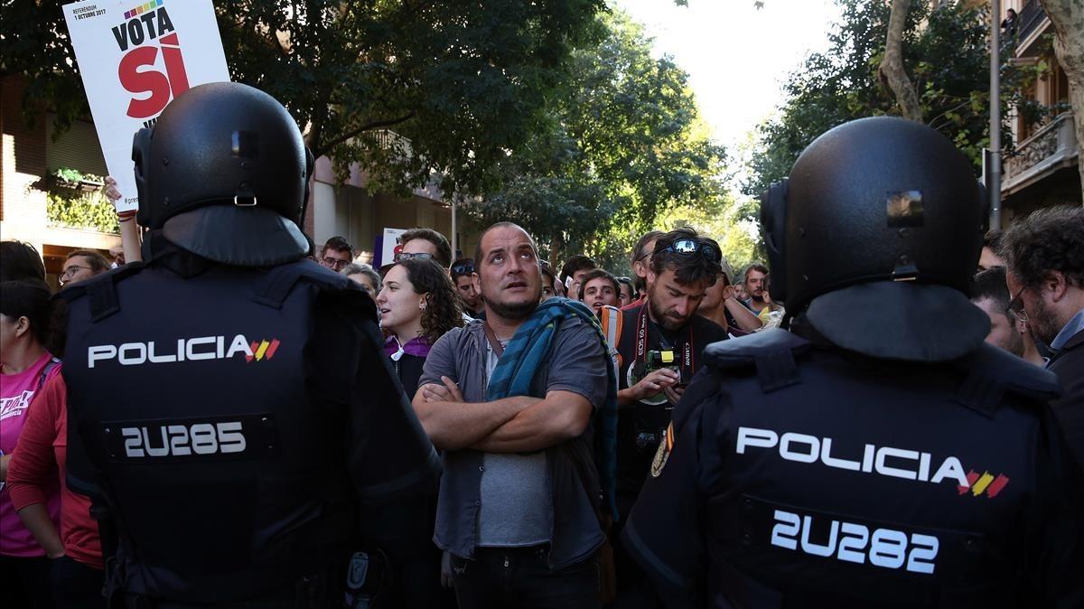 La Policía Nacional intentó registrar la sede de la CUP el 20 de septiembre del 2017.