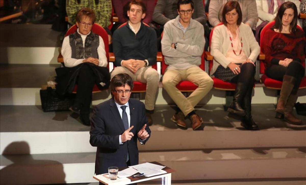 """Puigdemont defiende ir sin """"prisas"""" para construir """"bien"""" un Estado"""
