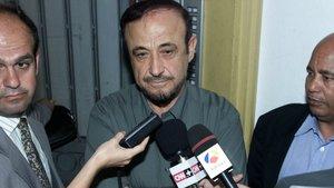 Rifaat Al Asad, en una rueda de prensa en Marbella en el año 2000.