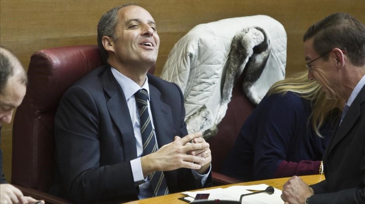 El expresidente de valenciano Francisco Camps, en su escaño de las Corts, en el 2012.
