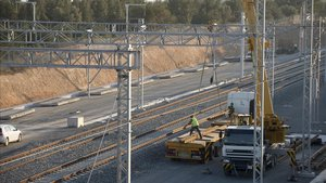 Adif estudia tallar el tram Castellbisbal-Martorell aquest estiu