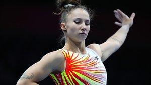 Roxana Popa, en acción, durante la clasificación por equipos del Mundial de Stuttgart