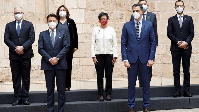Sánchez y Conte presiden en Palma la XIX cumbre bilateral con 19 ministros.