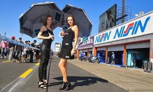 La fórmula 1 i el Mundial de motociclisme porten a Barcelona la polèmica de les hostesses
