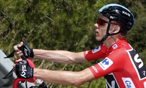 Primer esprint a la Vuelta a Espanya amb un Movistar en plena crisi
