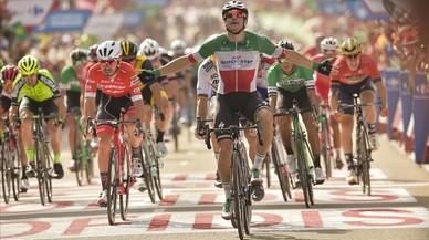 Una grave caída golpea el corazón de la Vuelta a España