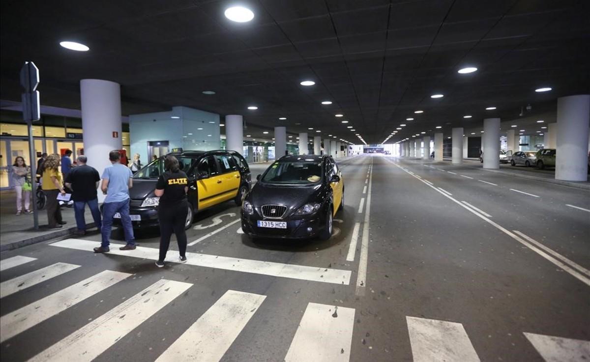 Piquete informativo en el aeropuerto.