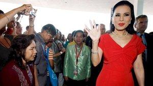 La princesa tailandesa demana disculpes després de ser expulsada de la contesa electoral