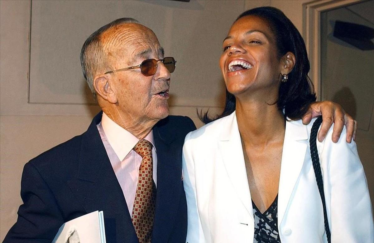 El doctor Iglesias Puga, junto a su segunda esposa, Ronna Keith.
