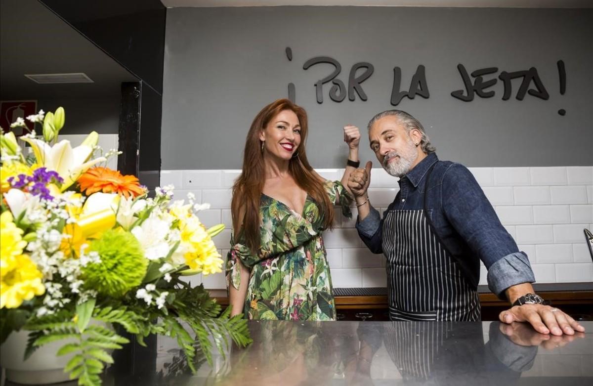 El chef Sergi Arola, junto a su exnovia Silvia Fominaya.