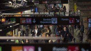 El metro de Barcelona torna a la vaga aquest dilluns per l'amiant