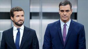 Casado y Sánchez, durante el debate electoral del pasado 4 de noviembre.