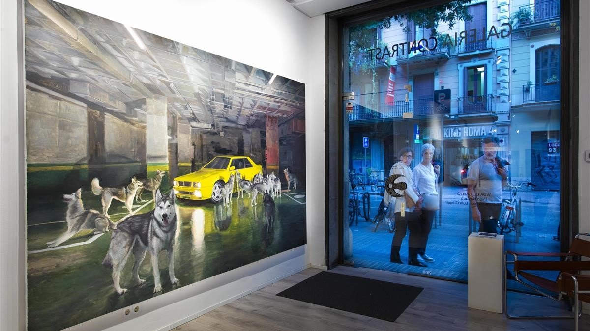 Exposición Vida de santode Íñigo Navarro, en la galería Contrast.
