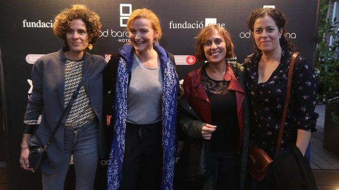 De izquierda a derecha: Marta Marco, Cristina Genebat, Clara Segura, actrices de Les noies de Mossbank Road,y Màrcia Cisteró, deSopa de pollastre i ordi, nominadas en la categoríade actriz principal.