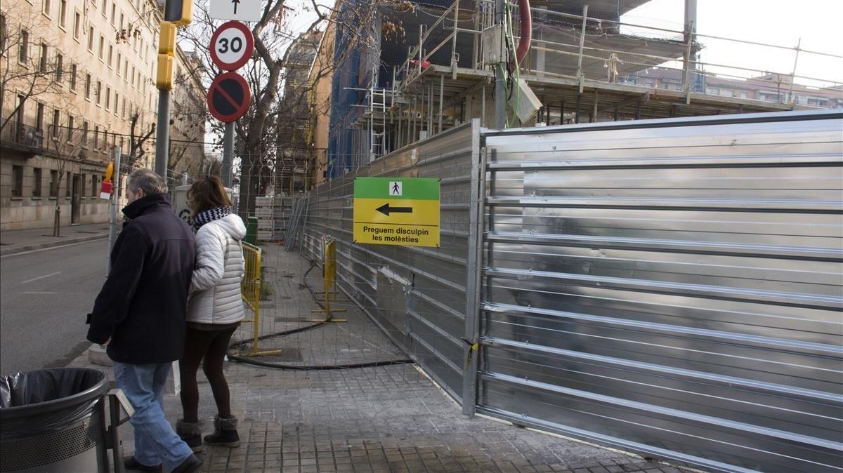 Sense voreres per les obres a l'escola Ignasi Iglésias