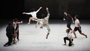Un momento del espectáculo 'Möbius', de la compañía francesa XY