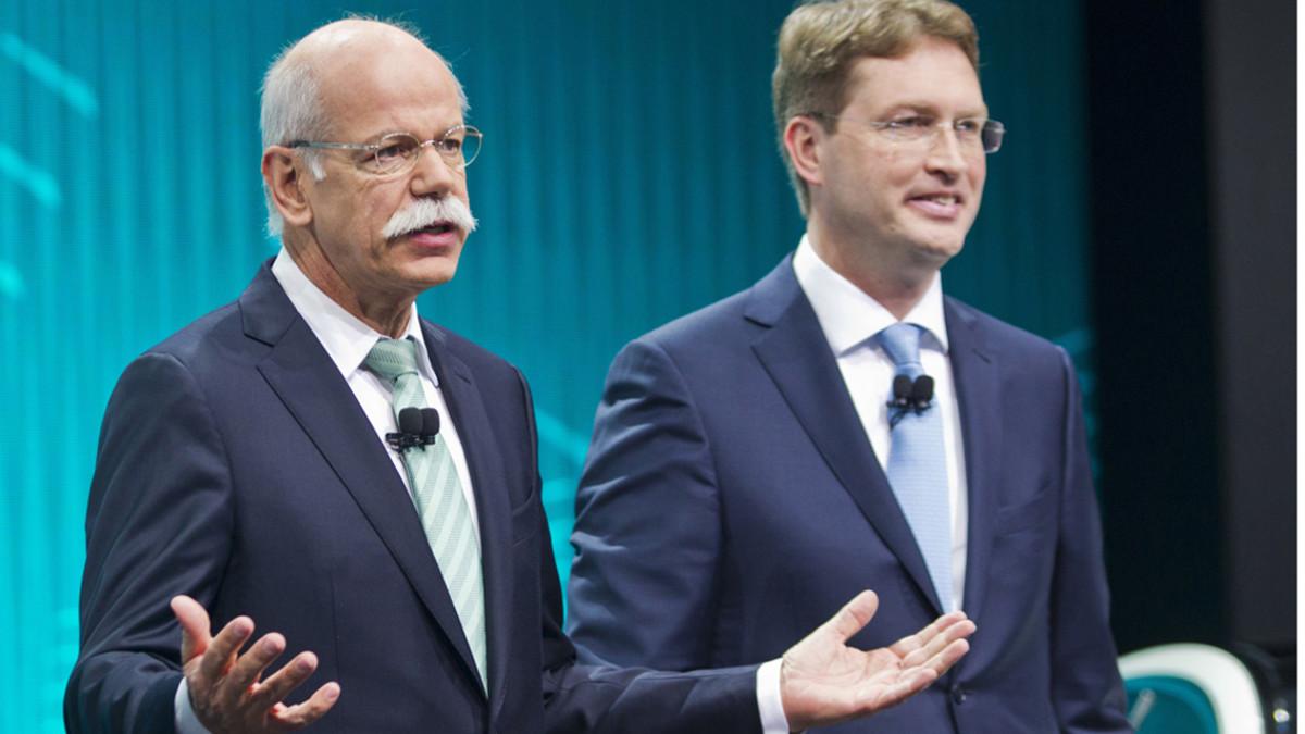 Dieter Zetsche y su sucesor, Ola Källenius.