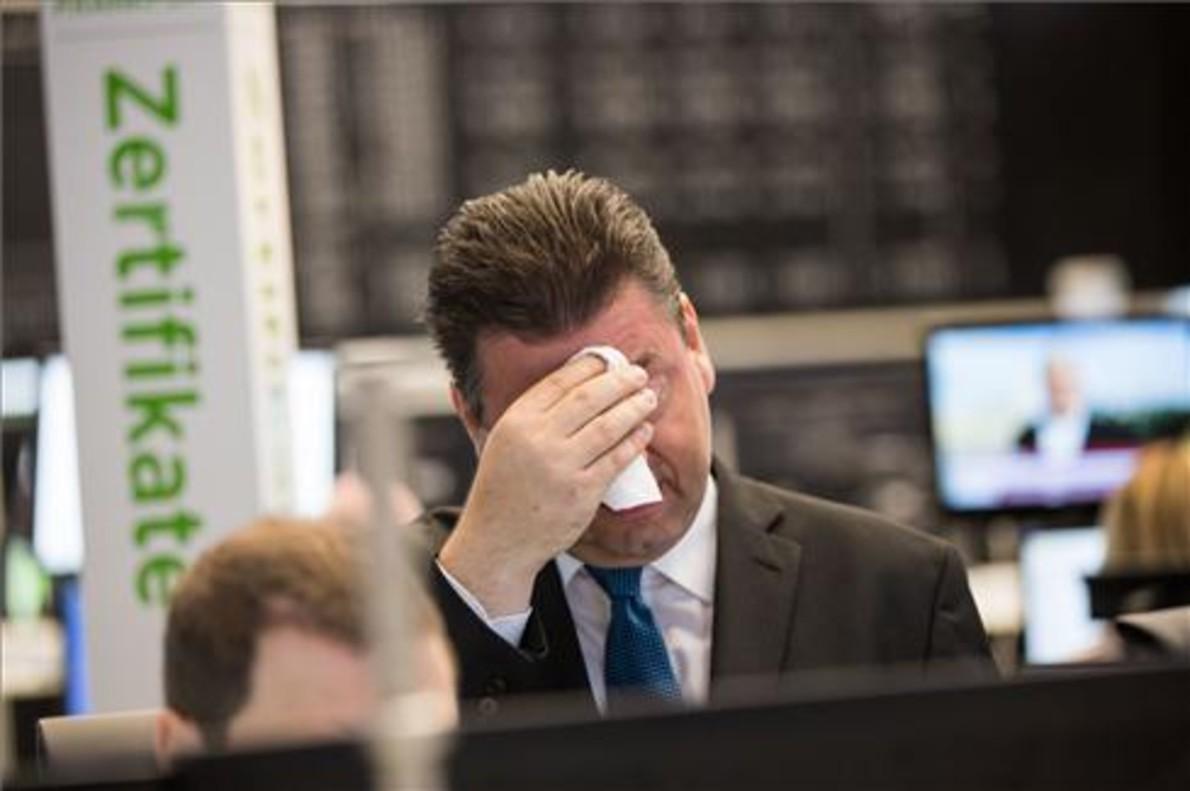 Resultado de imagen para Wall Street abre con caídas superiores al 5% y acentúa el hundimiento de las bolsas europeas