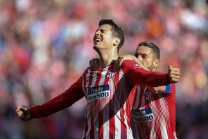 Álvaro Morata celebra su primer gol con el Atlético de Madrid.